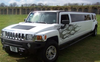 WHITE HUMMER H3 - Up to 8 pass