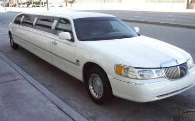 WHITE LINCOLN - Up to 14 pass